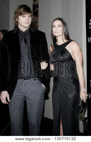 Ashton Kutcher and Demi Moore at the Rodeo Drive Walk Of Style Award honoring Gianni and Donatella Versace held at the Beverly Hills City Hall in Beverly Hills, USA on February 8, 2007.
