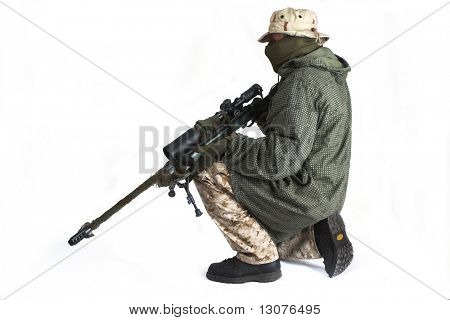 Sniper is wearing a desert uniform and an anti-IR cloak.