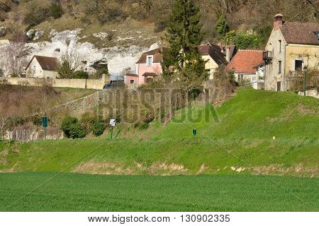 Haute Isle France - february 29 2016 : the picturesque village in winter