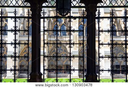 London view of  the Westminster abbey cloister