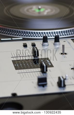 Turntable Vinyl Record Player And Sound Mixing Controller