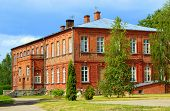 foto of school building  - The Old Lithuanian School - JPG