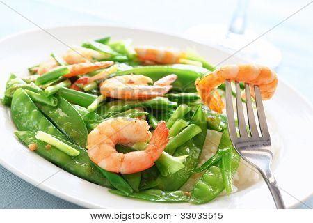 Salt and pepper shrimp with snow peas