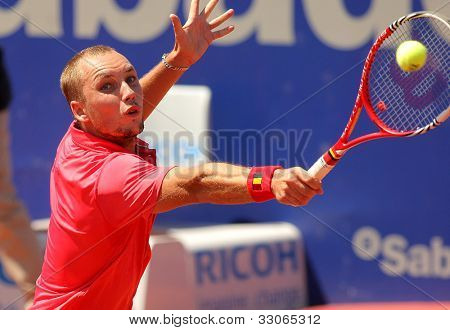 BARCELONA - APRIL, 24: Belgian tennis player Steve Darcis in action during his match against Fernando Verdaso of Barcelona tennis tournament Conde de Godo on April 24, 2012 in Barcelona, Spain