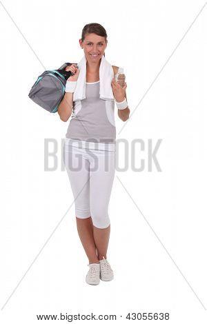 Brunette dressed in sportswear