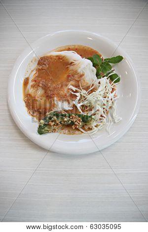 Curry Chicken Noodles (khanom Chin).