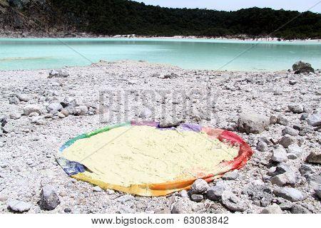 Sulphur And Lake