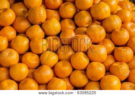 Farm fresh oranges at the market for sale