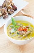Green curry with pork and spare ribs bake