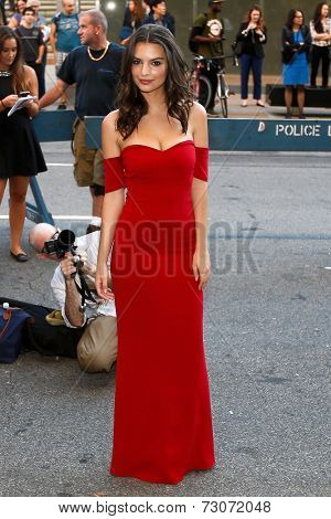 NEW YORK-SEP 26: Model Emily Ratajkowski attends the world premiere of