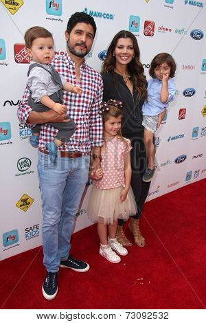 LOS ANGELES - SEP 28:  Alejandro Gomez Monteverde, Ali Landry, family at the 3rd Annual Red CARpet Safety at Skirball Center on September 28, 2014 in Los Angeles, CA