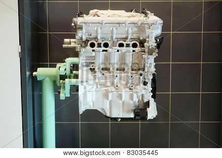 The engine on the stand for repair