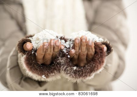 Snow In The Hands Of Women
