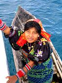 picture of mola  - We really enjoyed the San Blas Islands of Panama with their friendly and colorful occupants - JPG