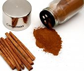 foto of cinnamon sticks  - cinnamon stick - JPG