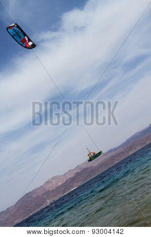 Kitesurfing .