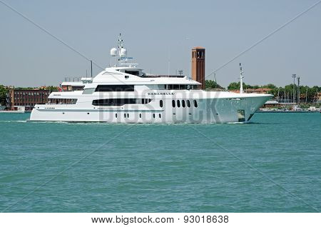 Luxury Yacht Bacarella, Venice