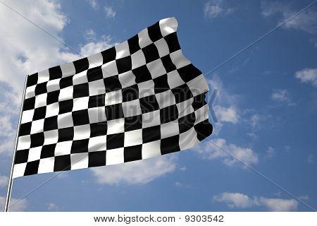 Karierte Flagge winken an einem bewölkten Himmel