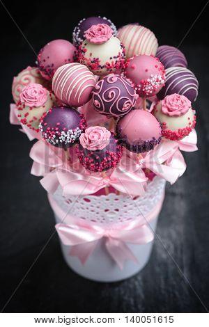 Cakes Pops Present