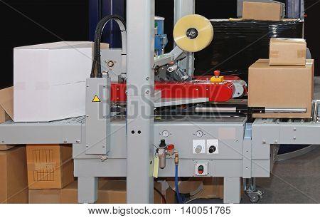 Carton Boxes Sealing and Packing Machine Conveyor