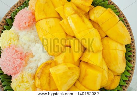 Mango With Sticky Rice And Sesame On The Top