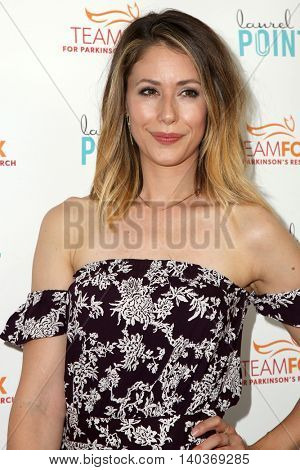 LOS ANGELES - JUL 27:  Amanda Crew at the