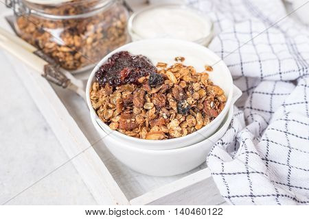 Peanut butter and chocolate chip whole wheat flakes granola recipe