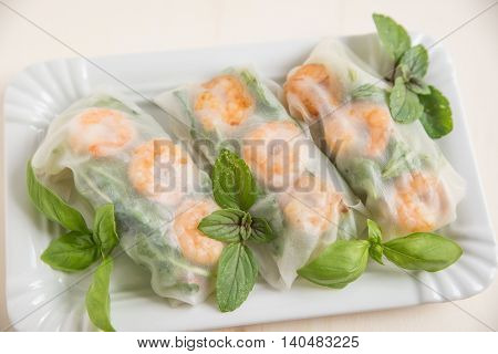 vietnamese spring rolls with shrimps and vegetables