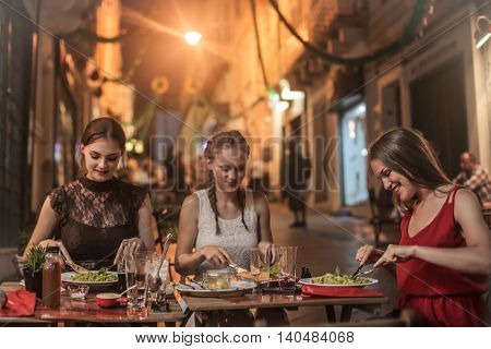 Eating outdoors on vacation