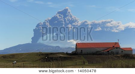iceland ash cloud causing flight problems