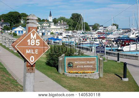Mackinac Island state park mile post bike trail