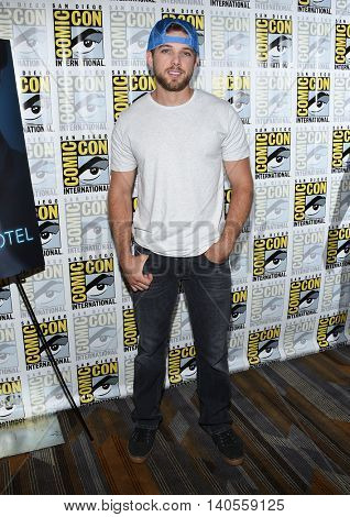 LOS ANGELES - JUL 22:  Max Thieriot arrives to the Comic Con 2016 -