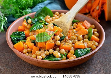 Roasted chickpea and butternut squash salad in a plate