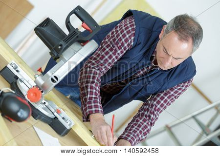 master carpenter woodworking shop
