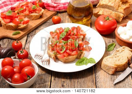 canape with tomato and basil