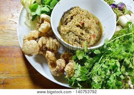 mackerel shrimp paste sauce eat with fresh vegetable and pork rind