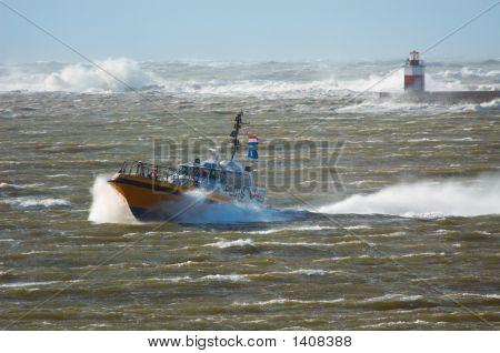 Pilot Boot in einem Sturm