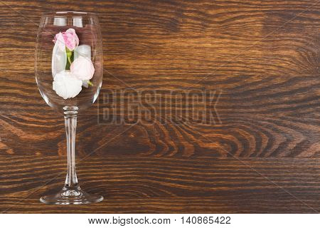 Wineglass With Lightpink Roses And Meringues