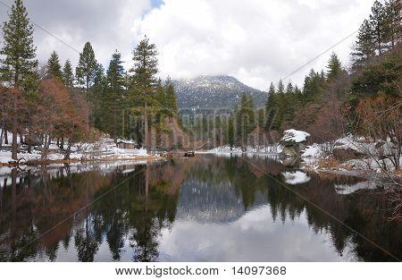 Lake Fulmor in winter