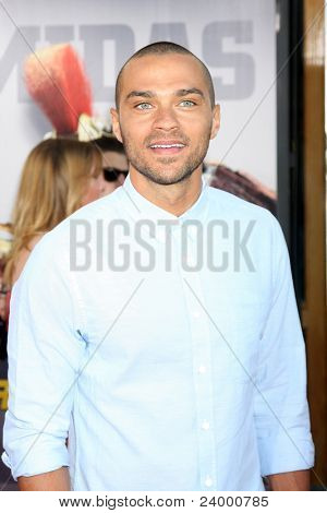 LOS ANGELES - OCT 2:  Jesse Williams arriving at the