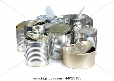 Foto da cor do metal latas em um aterro sanitário
