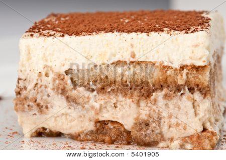Tiramisu Layers Cake