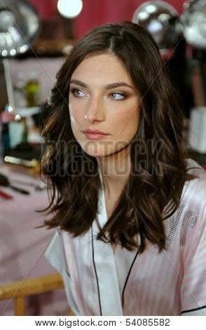 NEW YORK NY - NOVEMBER 13: Model Jacquelyn Jablonski poses backstage