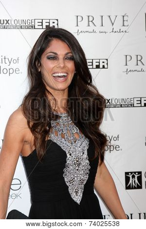 LOS ANGELES - OCT 15:  Lindsay Hartley at the Sue Wong