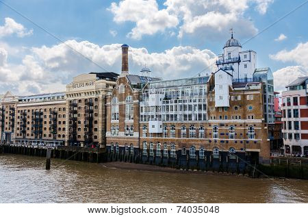 Butler's Wharf Historic Building Over River Thames In London.