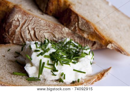 Bread With Cottage Cheese And Chives
