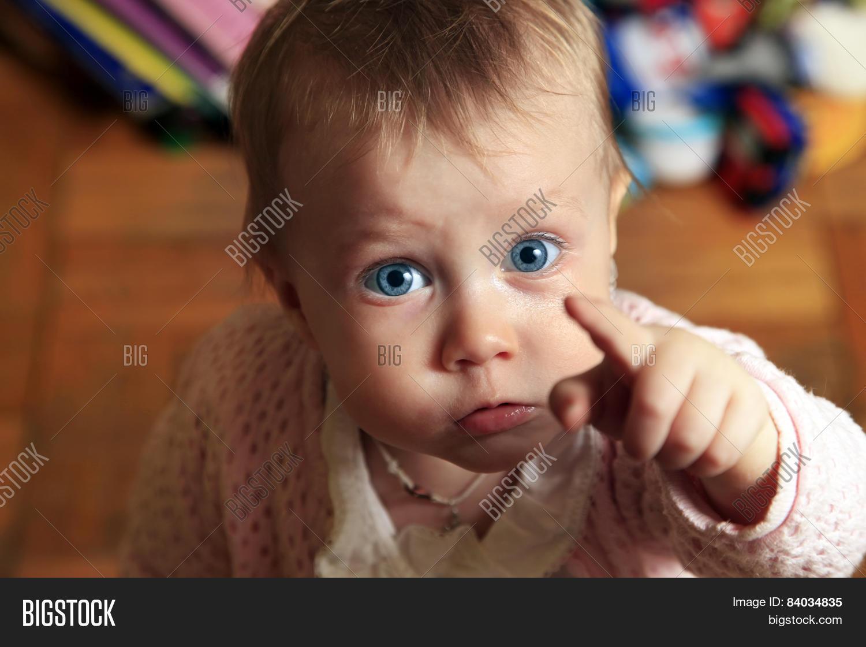 Фото плачущей маленькой девочки 19 фотография