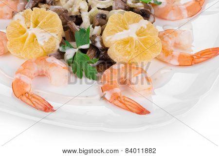Shrimp salad with mushrooms.
