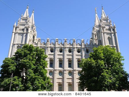 External View of Mormon Temple