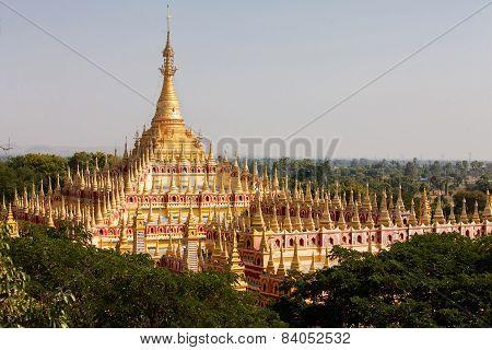 Thambuddhei Paya - Buddhist temple in Monywa Myanmar